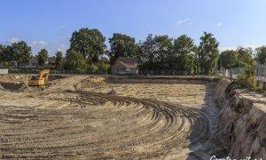 14-09-2014 - Zandafgraving t.b.v. de parkeergarage onder de nieuwbouw op de hoek van den Bogertlaan en de van Dompselaerstraat - Barneveld