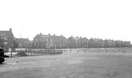 Verleden 1955 - Zicht op de Lorsweg (Lorscomplex). - Barneveld